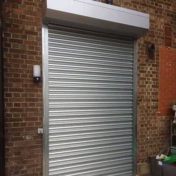 pintu otomatis garasi