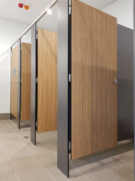 jasa pemasangan partisi toilet cubicle